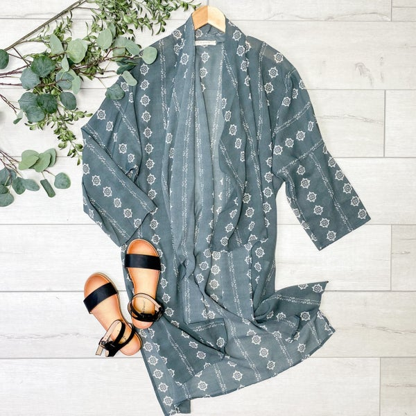 Patterned Fly Away Kimono, Sage
