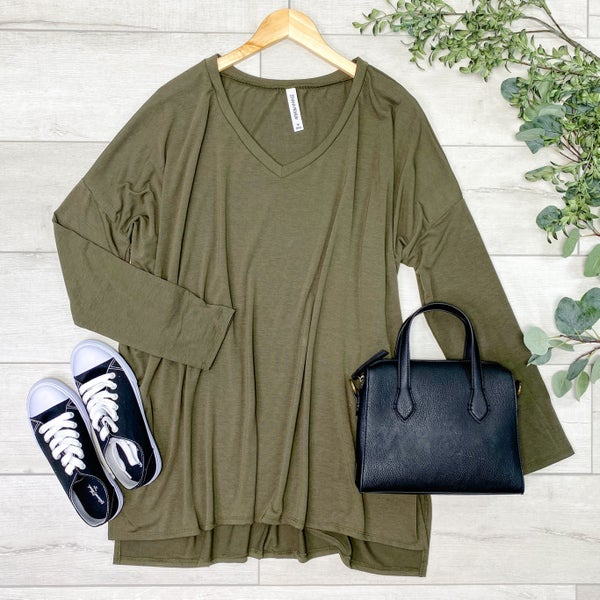 *PLUS* Solid V-Neck Piko, Dark Olive [[LIVE]]