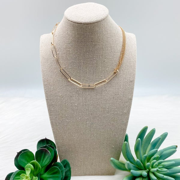 Short Wide Chain Linked Necklace, Gold