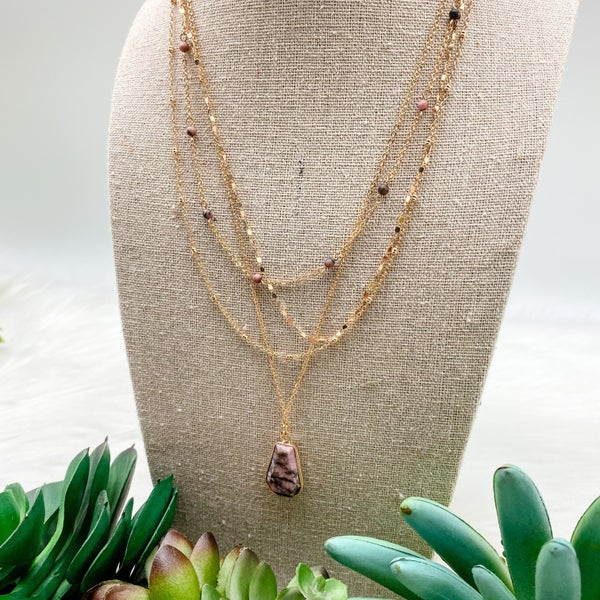 Layered Short Necklace w/ Stone, Pink