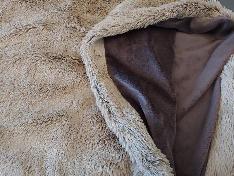 Sherpa cozy throw blanket
