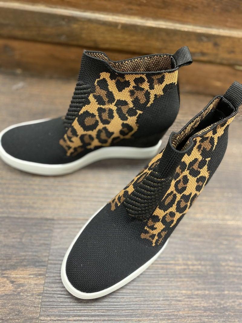 Mia A/P Sweater sneaker