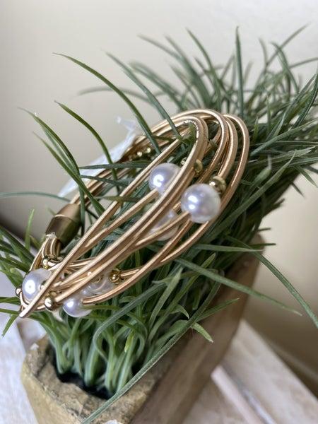 Pearl layer magnetic bracelet