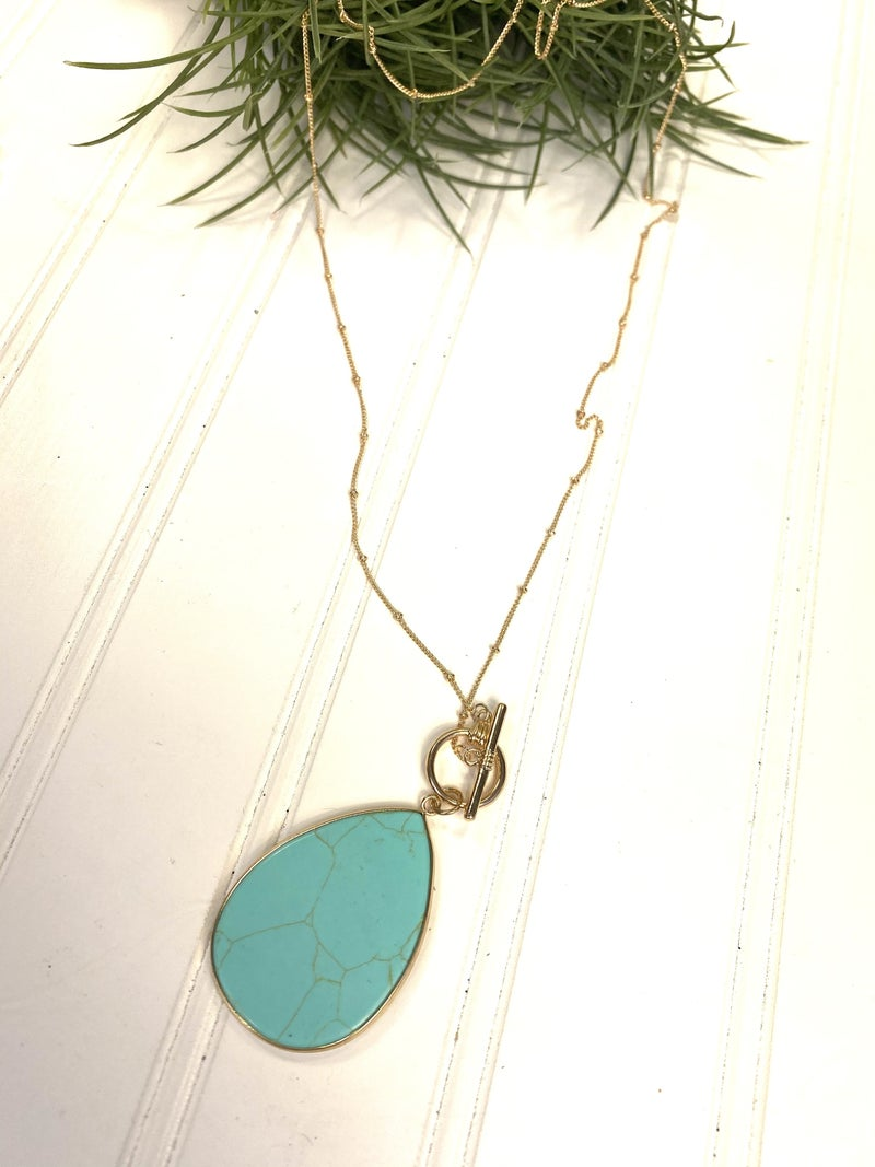 Long necklace with teardrop stone