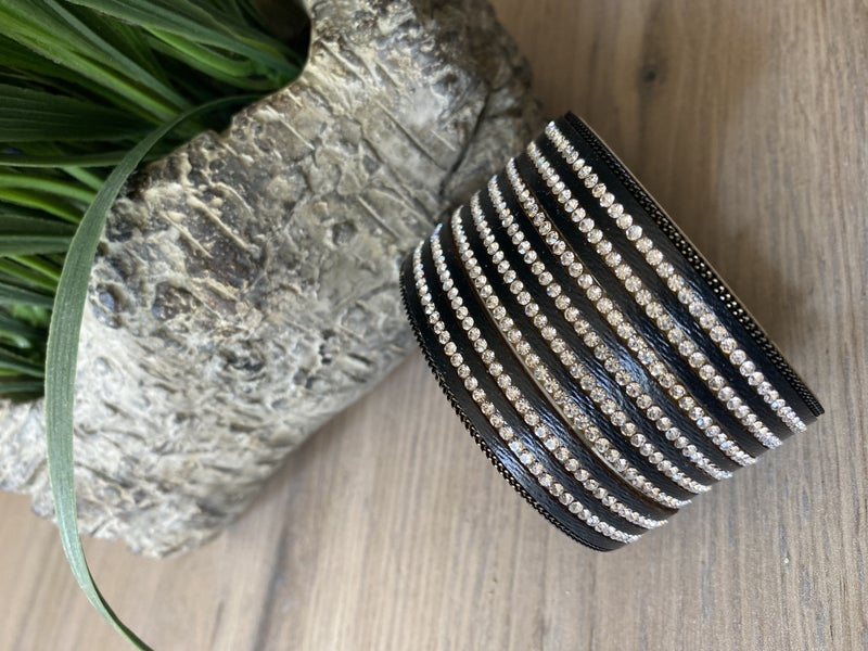 Glam Magnetic Cuff