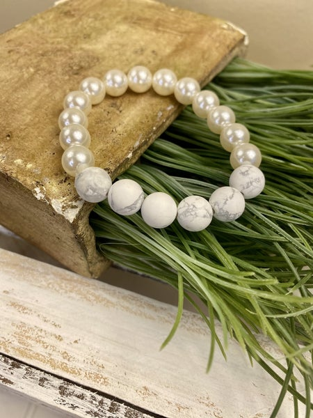 White Stone and Pearl stretch bracelet