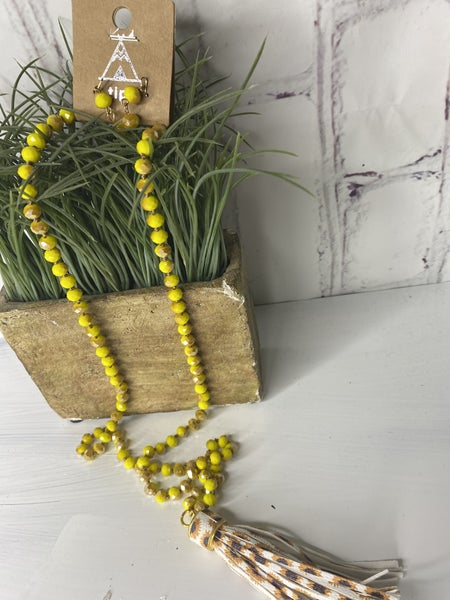 Bloom sunflower beaded necklace