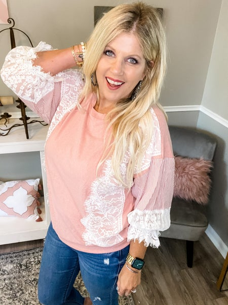 Pinkie Lace top