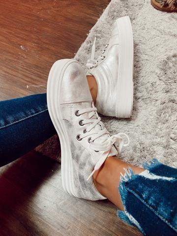 White Metallic Sneaker by Corkys