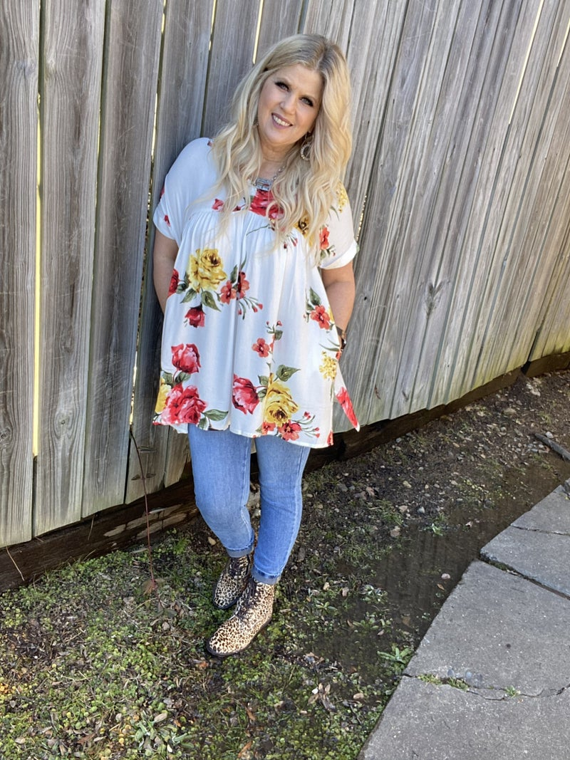 Floral tunic top with pockets