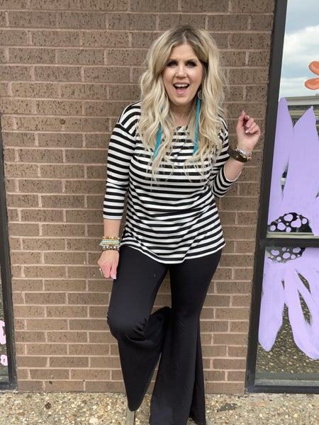 3/4 sleeve Black and White Striped top