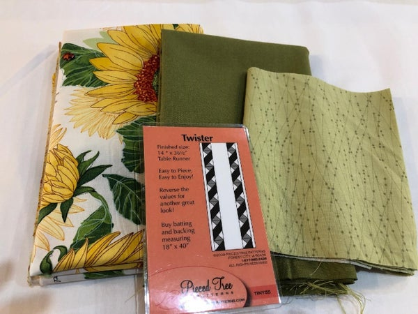 "Twister Table Runner Kit 14""x 35.5"""