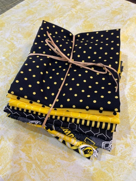 University of Iowa Fat Quarter Bundle - 8 FQ