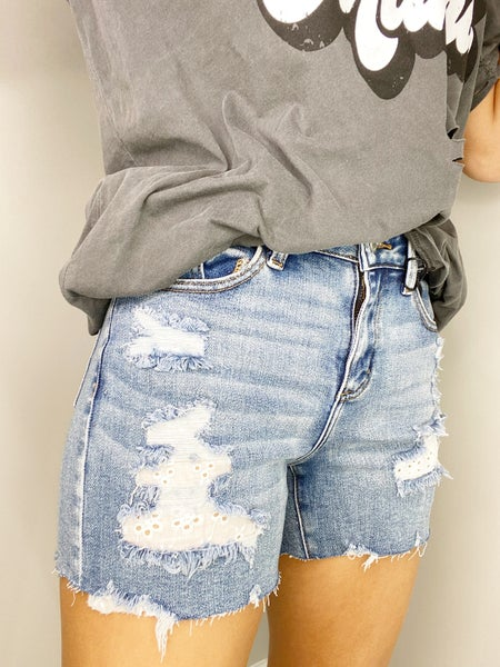 2X & 3X ONLY - Judy Blue Lace Patch Destroyed Shorts