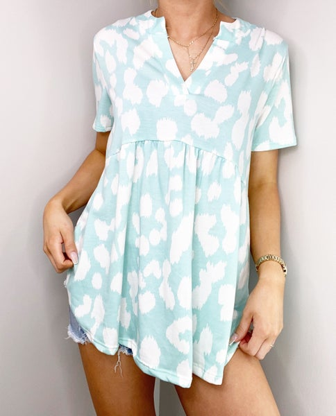 Mint and Ivory V-Neck Top