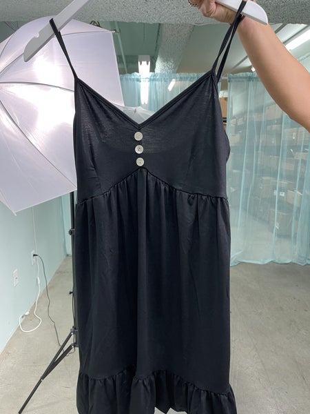 BLACK SLEEVELESS V-NECK WITH BUTTON DETAIL TUNIC TOP/DRESS