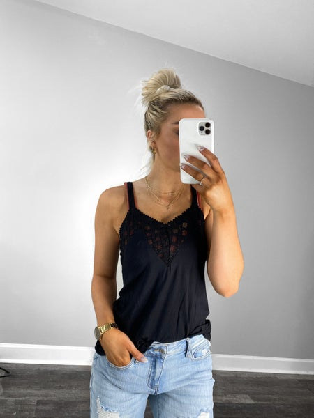 Lace Fashion Camisole Sleeveless Top in Black