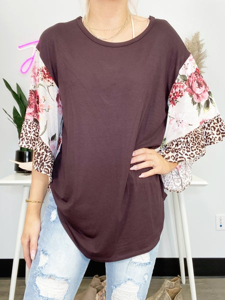 Ivory and Coral 1/2 Sleeve Top