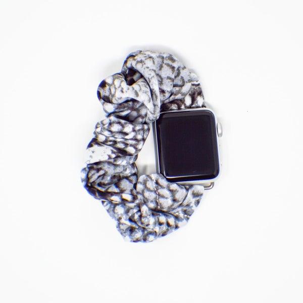 Snakeskin Scrunchie Apple Watch Band - 42/44mm