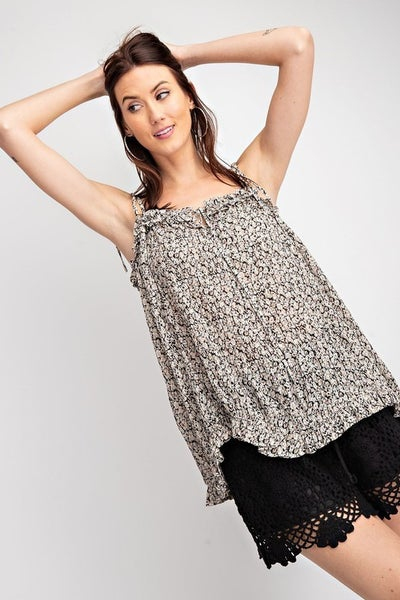 Crinkled Floral Print Woven Top in Black