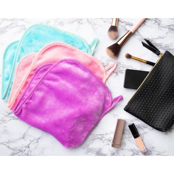 Wash the Day Away Makeup Remover Cloths ***MULTIPLE COLORS***