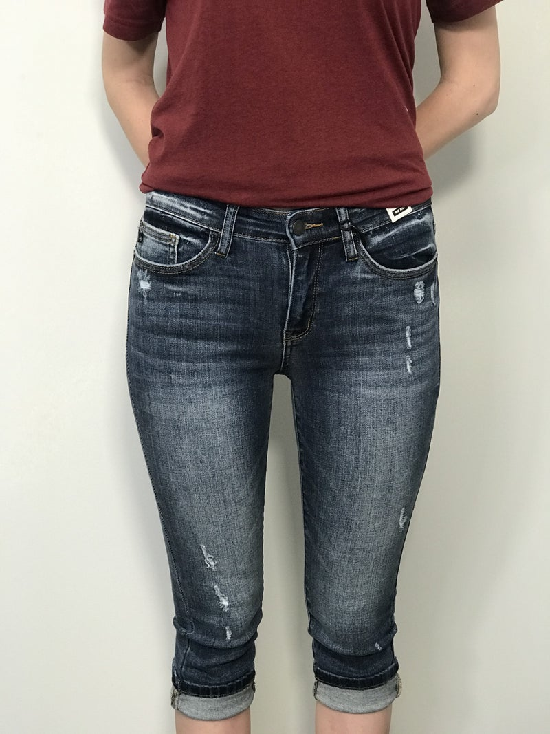 Judy Blue Nondistressed Medium Washed Capris