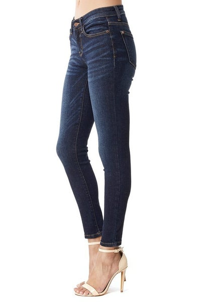 Judy Blue Mid Rise Dark Wash 29in Inseam, 8.5 Rise