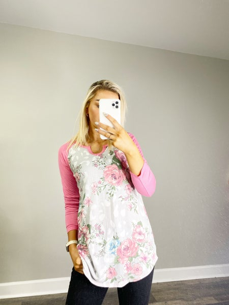 SMALL ONLY Floral and Pink Raglan 3/4 Sleeve Top with V-Neck Cut in Gray