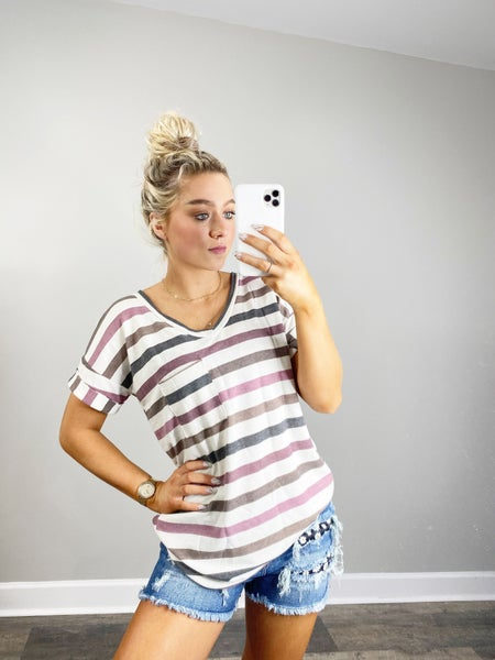 ! Short Sleeve Stripe V-neck Top