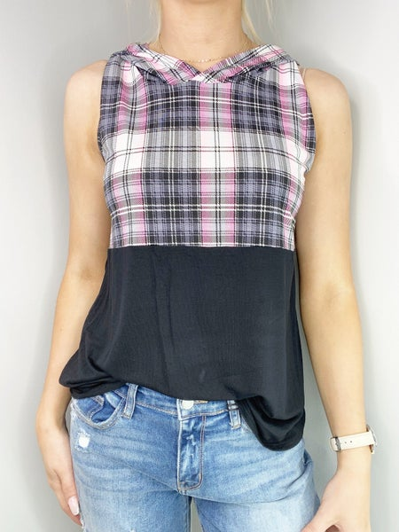 MED ONLY Black and Pink Top with V Contrast