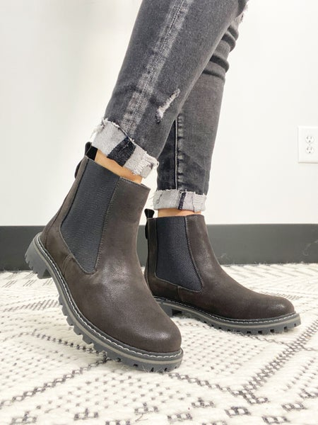 """Corky's """"To Be Honest"""" Black Boot"""