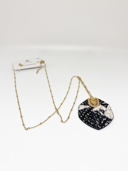 City Genuine Leather Snakeskin Necklace & Earrings