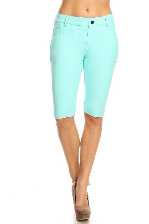 Women's Classic 5 Pocket Bermuda Shorts in Turquoise