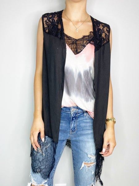 Long Sleeveless Cardigan with Lace Contrast in Solid Black