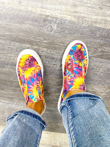 6.5 ONLY - Gypsy Jazz Red Multi Play Time Sneakers