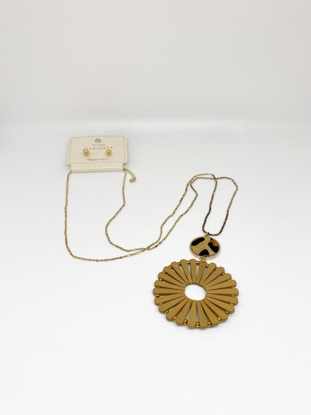 A Project Wooden Circular Animal Print Necklace & Earrings