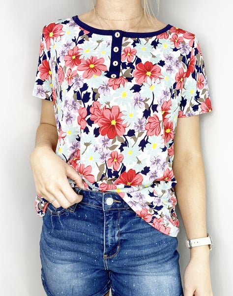 1X ONLY - Ivory and Coral Top