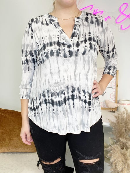 SMALLS  ONLY - Gray and Black 3/4 Sleeve Gabby Top