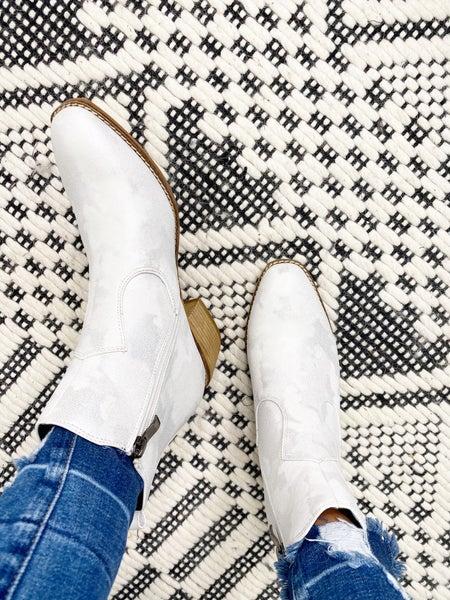 Corkys Starboard White Metallic Boots