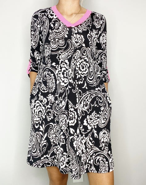 HoneyMe V-Neck Paisley Dress with Hot Pink Detailing