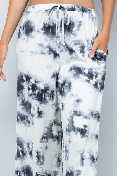 Swirling Mist Cropped Lounge Pants