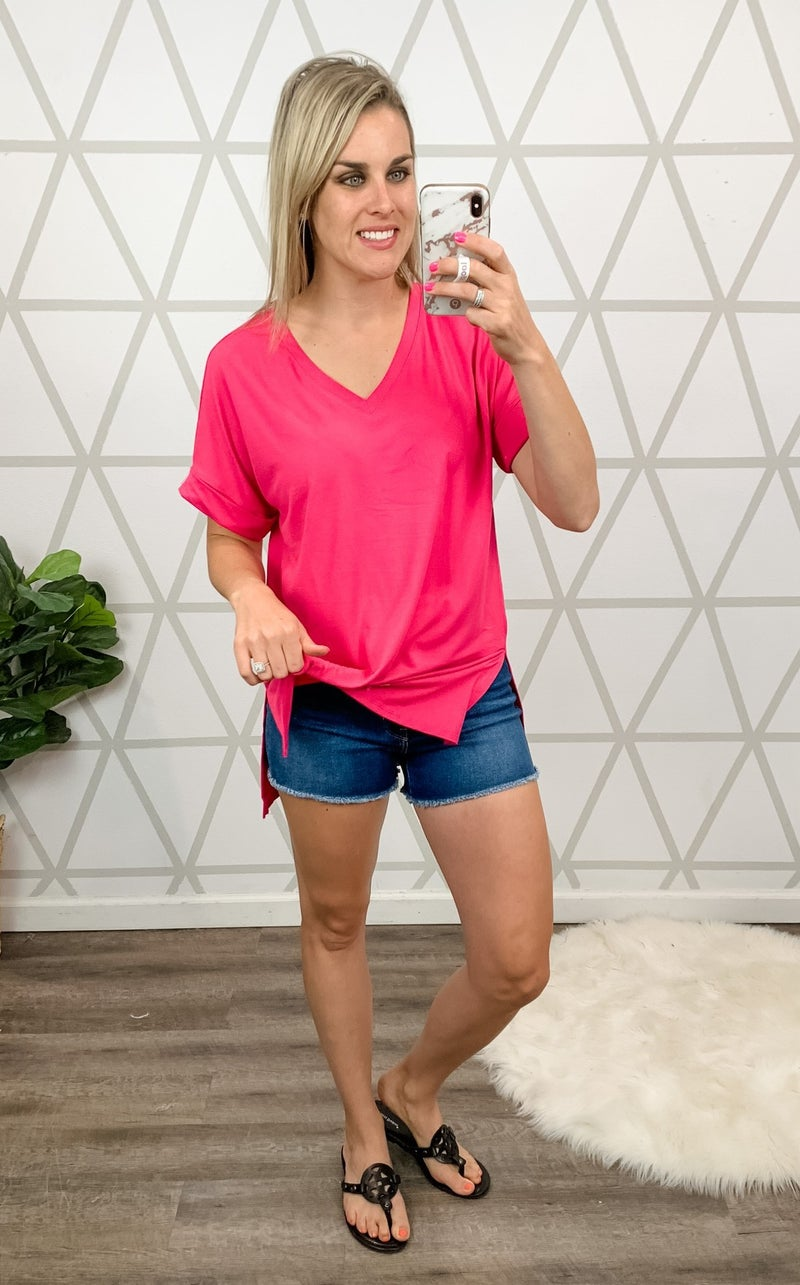 *HAPPY HOUR* Flaunt V-Neck Tee * ALL SALES FINAL