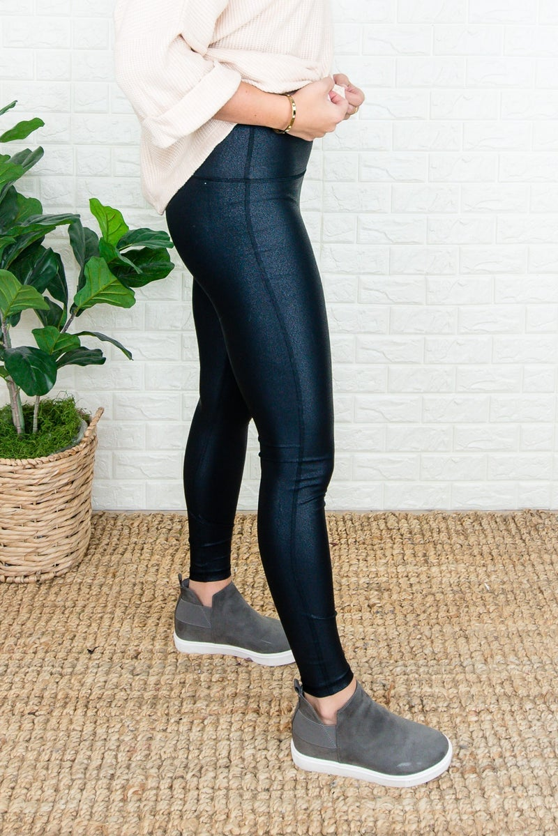 *Flaunt Friday* Faux Black Leather-Like Leggings // all sales final