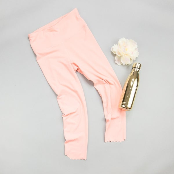 Scalloped Peach Leggings