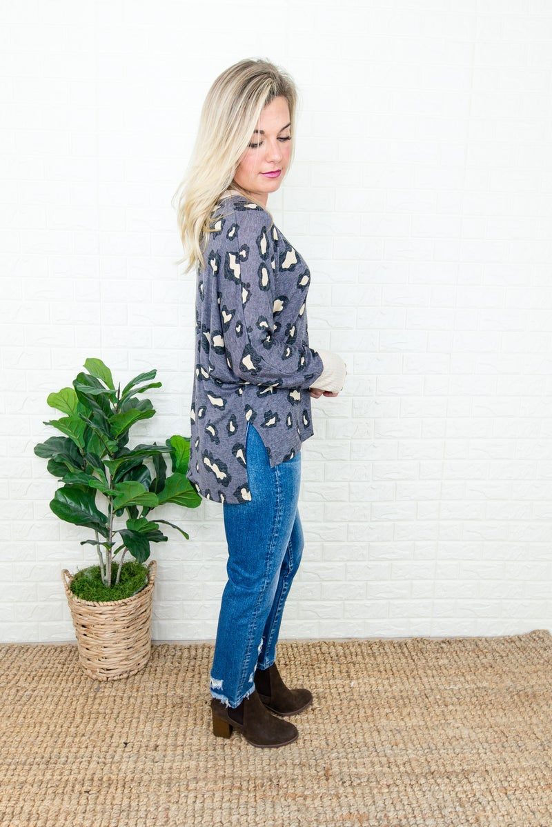 Outlined Leopard Tee *all sales final*