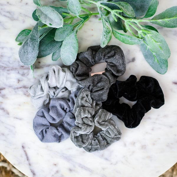 KITSCH Set of Black Velvet Scrunchies