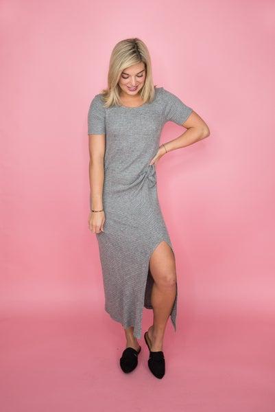 So Chic Gray Midi Dress *all sales final*
