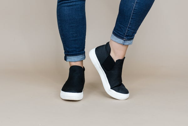 Flat Black Sneaker Shoes