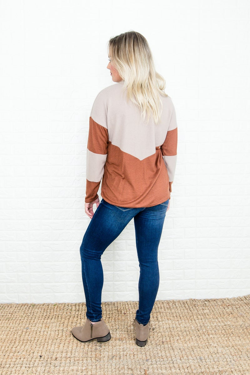 *HH Deal*  Flaunt Geometric Tee *all sales final