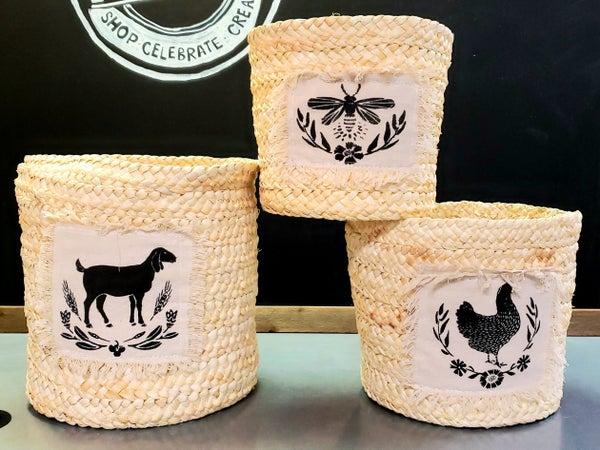 Round Corn Husk Baskets